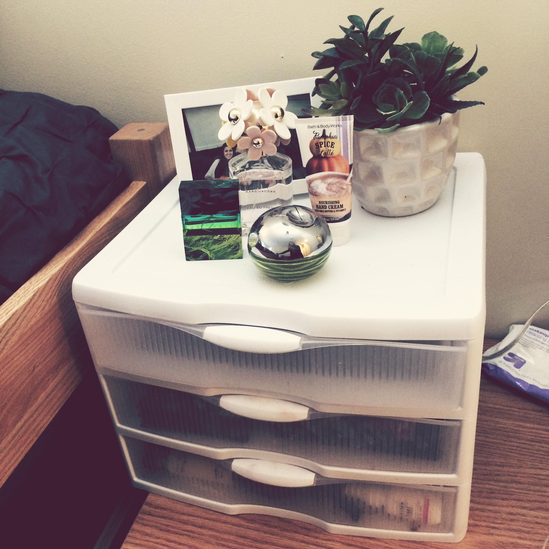 Fullsize Of College Dorm Vanity