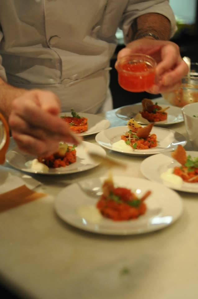 James plates salmon tartare