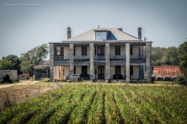 The-Hewitt-House-Granger-Texas-1_thumb.jpg