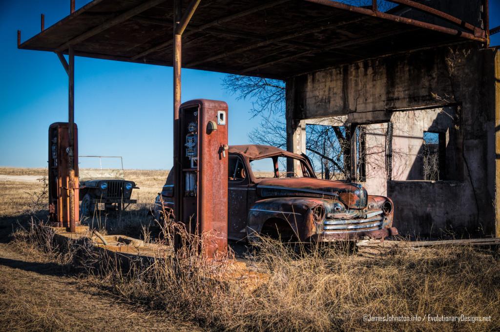 Carls-Corner-Texas-Abandoned-Gas-Station-1-e1422029482483.jpg