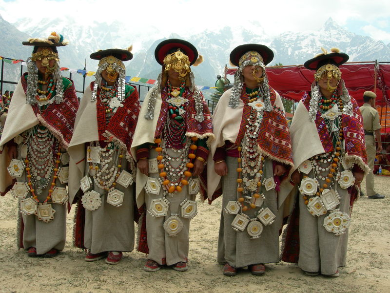 kinnaur-traditional-dress