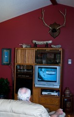 03grandpa_watches_tv