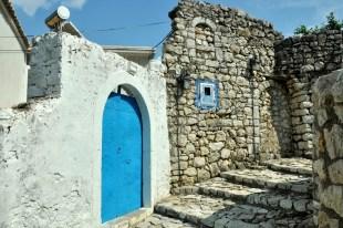 W Himare była i jest dość silna grupa mniejszości greckiej.