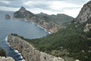 Mirador Es Colomer. Klify półwyspu Formentor.