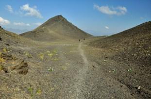 Przełęcz Chaukhi (3431m). Krajobraz księżycowy.