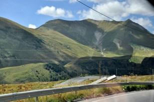 Droga Wojenna jest główną trasą łączącą Kaukaz Południowy z Północnym, ma 208 km. Ciągnie z gruzińskiego Tbilisi do północnoosetyjskiego Władykaukazu.