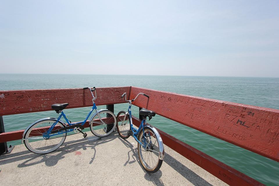 bikes-691042_960_720