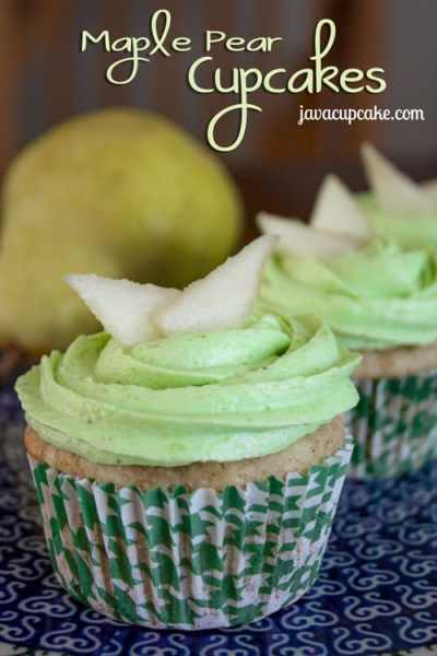 Maple Pear Cupcakes | Spiced caked filled with maple syrup marinated pears topped with a sweet pear buttercream | by JavaCupcake.com