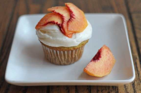 Peachy Keen Cupcakes by Heather's Dish for JavaCupcake.com