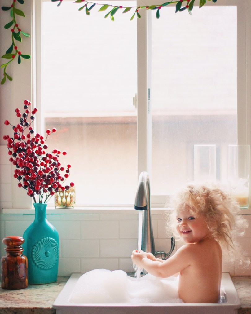 baby sink bath photography