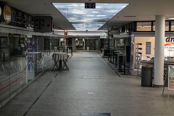 Diskonto-Passage Saarbrücken, Freitags, 18:30. Wähend eines WM-Spiels. Sonntags ist es voller.