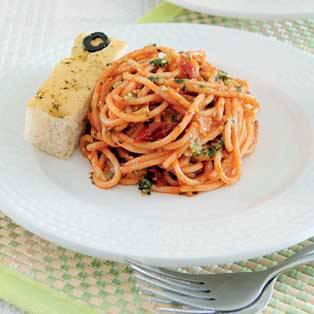 Tuna Tomato Pesto Pasta