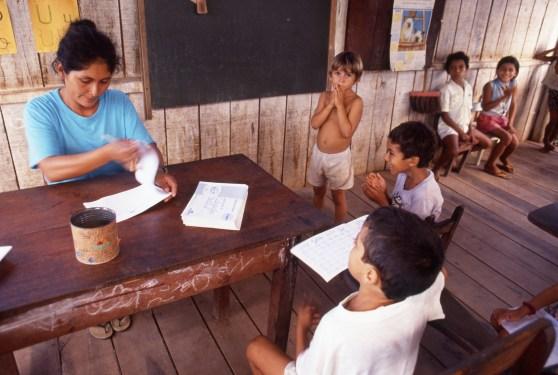 Teacher and Kids, Autazes