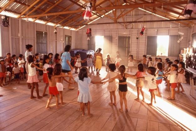 Autazes Pre-School Kids Dancing