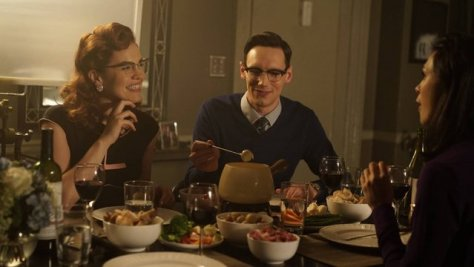 """GOTHAM: L-R: Chelsea Spack and Cory Michael Smith in the """"Rise of the Villains: Scarification"""" episode of GOTHAM airing Monday, Oct. 19 (8:00-9:00 PM ET/PT) on FOX. ©2015 Fox Broadcasting Co. Cr: FOX."""