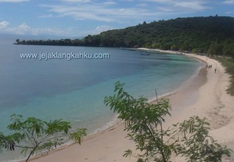 pantai pink lombok 1
