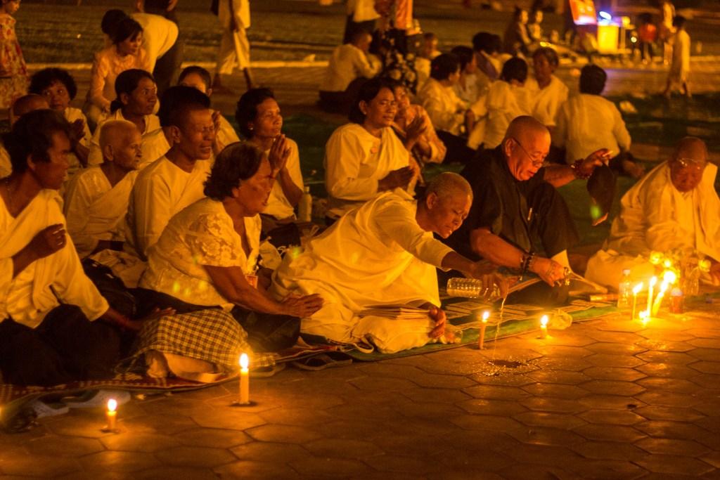 doa di depan istana kamboja