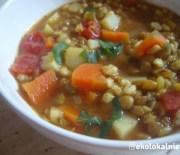 Zupa z zieloną soczewicą i pęczakiem