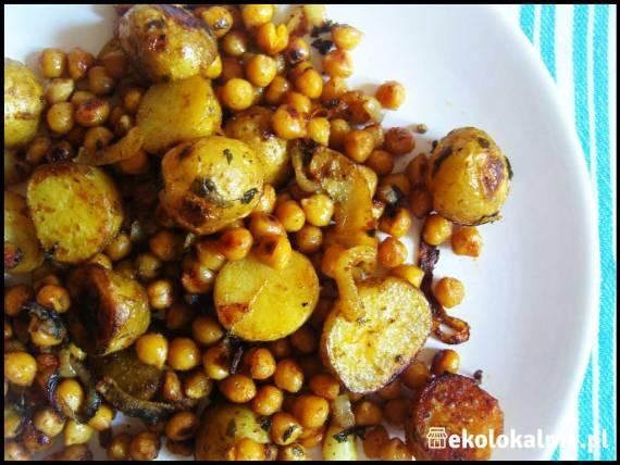 Pikantne młode ziemniaki z ciecierzycą