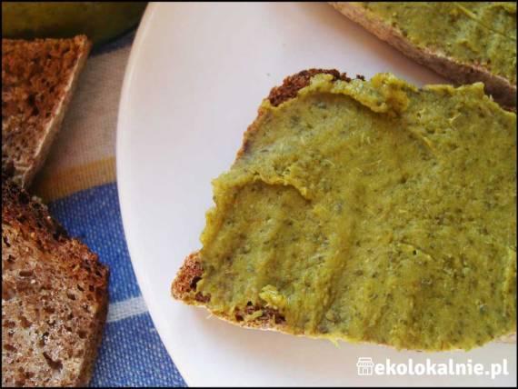 Pasta brokułowo-czosnkowa