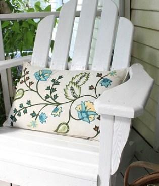 Fabulous Porch Decorating Ideas from Jenniferdecorates.com