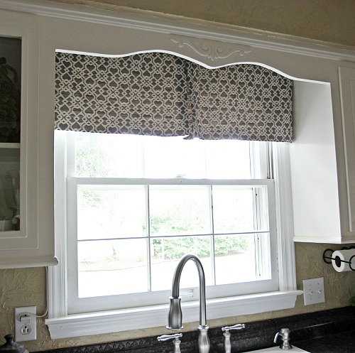 DIY Modern Kitchen Curtain