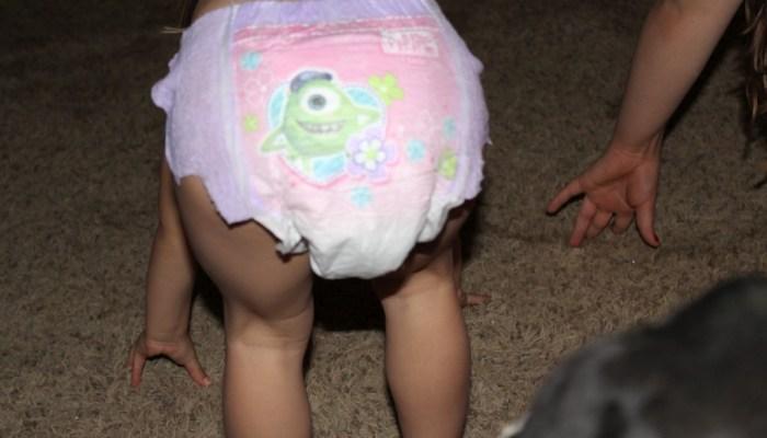huggies pull ups  When To Start Potty Training? Mattie Loves Pull-Ups & Monsters U DPP 0040