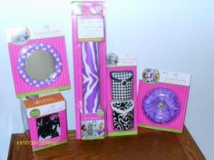 lockerlookz1 300x225 OMG – You've got to get these Locker Lookz products for your daughter.