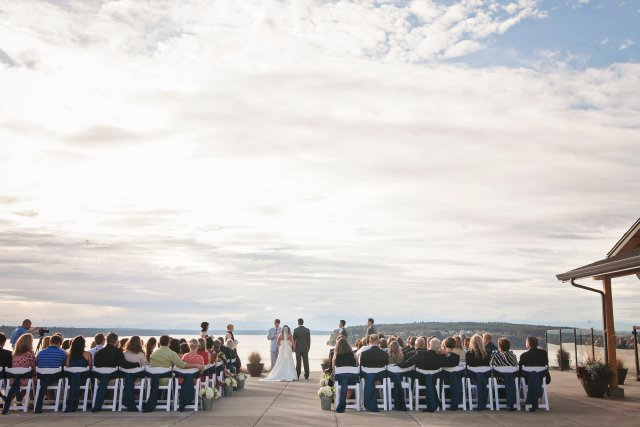 Chambers Bay Wedding Ceremony || Flowers By: Jen's Blossoms || Photo By: Lloyd Photographers