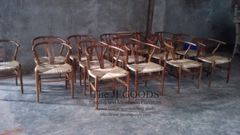 Replica of wishbone hans wegner chair kursi cafe hans for Furniture jepara