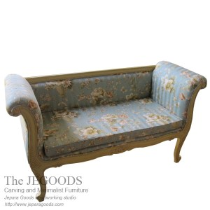 Shabby Bench Love 2 Seat,love seat bench,jual shabby chic furniture jepara,model bangku vintage rotan jepara,white painted furniture,furniture ukir jepara cat putih duco,model mebel klasik cat duco jepara,shabby chic jepara vintage,french furniture manufacturer indonesia