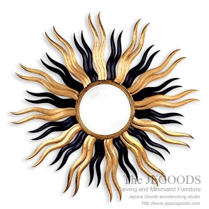 Sun Mirror Carved Frame,carving mirror sun,mirror matahari,cermin ukir matahari jepara,model ukir pigura jepara,mebel ukir pigura jepara,finishing antik gilt gold leaf finishing,accessories carving mirror frame
