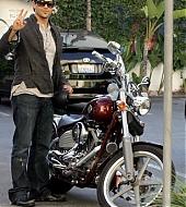 Jesse Metcalfe Candids - July 25th, 2008