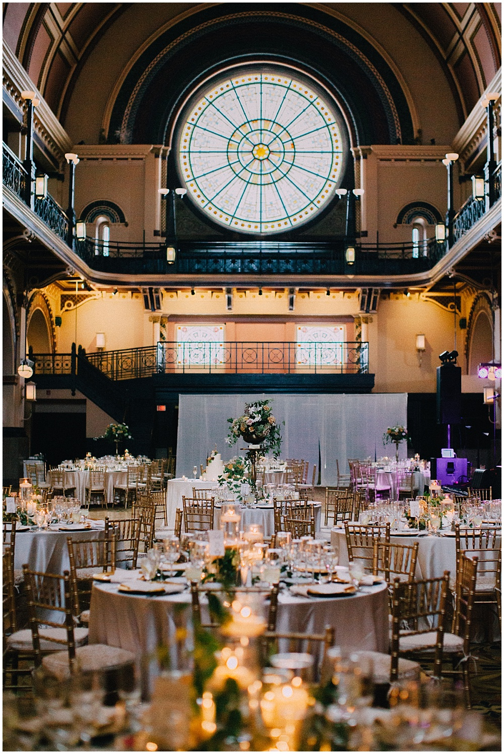 Wedding reception with simple summer wedding flowers and gold accents | Downtown Indianapolis Wedding by Caroline Grace Photography & Jessica Dum Wedding Coordination