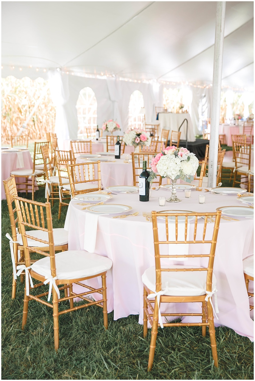 Blush and gold wedding tablescape | Family Farm wedding by SB Childs Photography & Jessica Dum Wedding Coordination