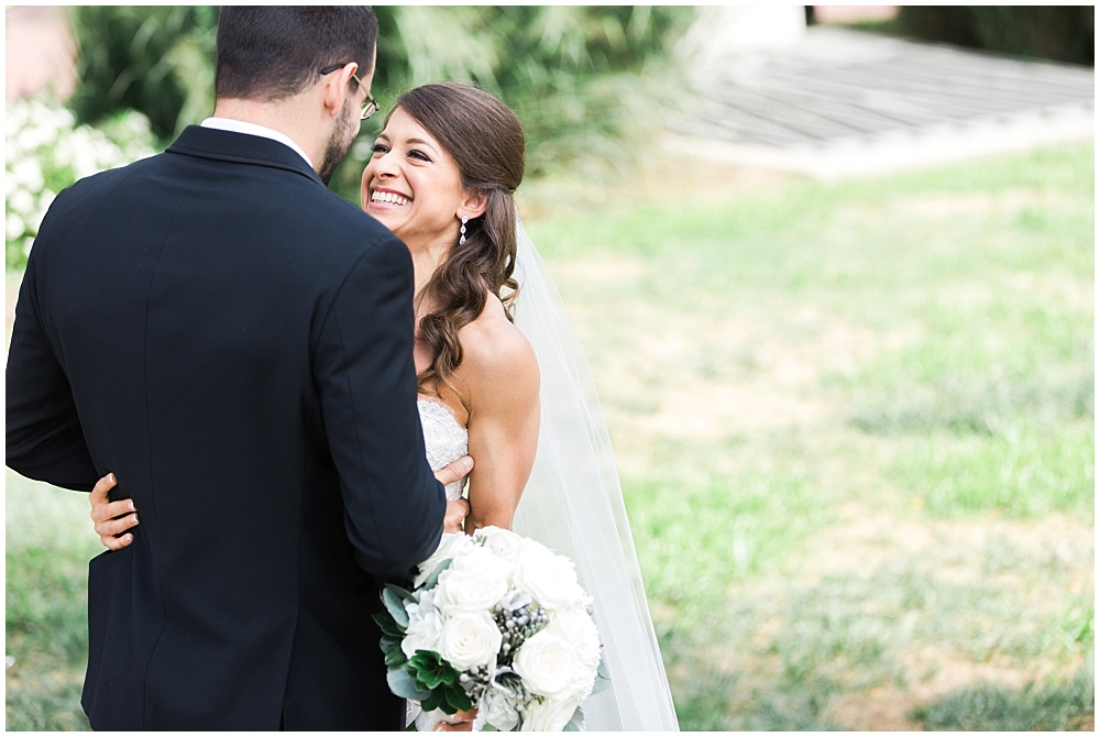 Bride and Groom portraits | D'Amore Wedding by Ivan & Louise Images & Jessica Dum Wedding Coordination