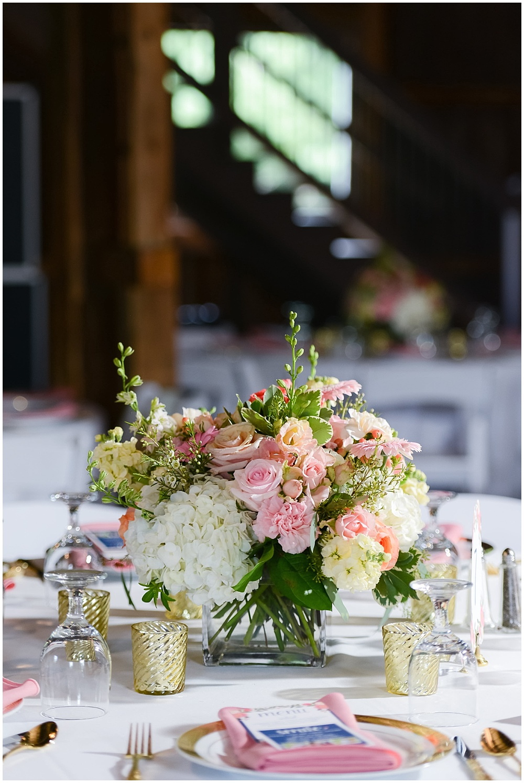 Blush and white floral centerpieces | Mustard Seed Gardens Wedding by Sara Ackermann Photography & Jessica Dum Wedding Coordination