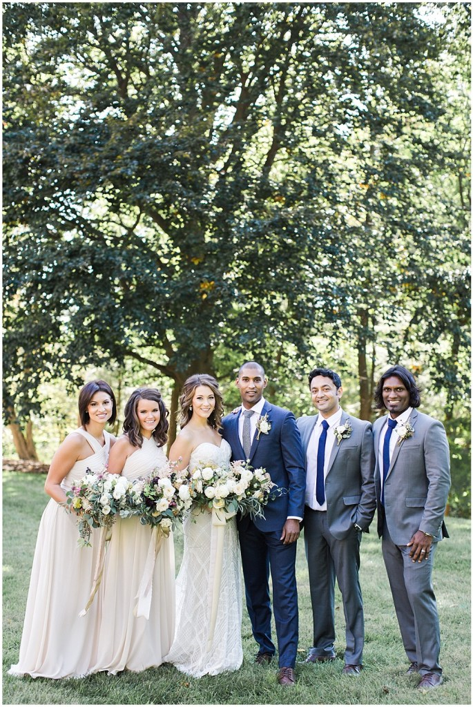 Navy, ivory, + grey wedding | Navy and Gold Wedding at Laurel Hall with Ivan & Louise Photography + Jessica Dum Wedding Coordination