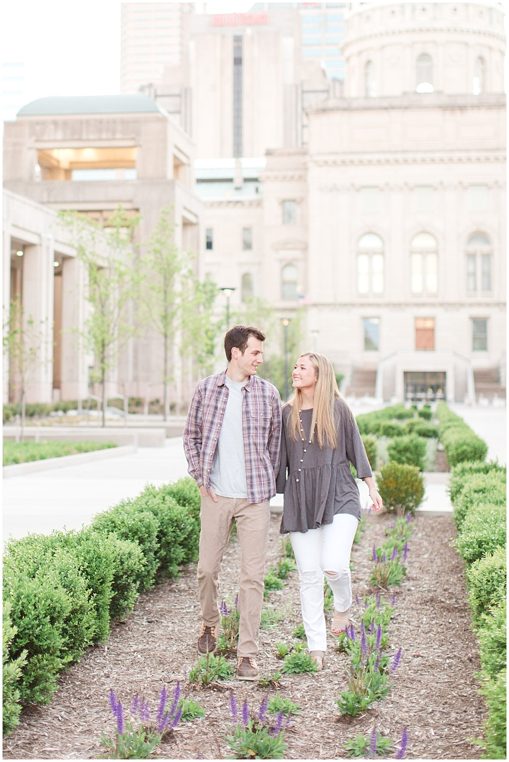 Downtown Indianapolis sunrise engagement session | Sami Renee Photography