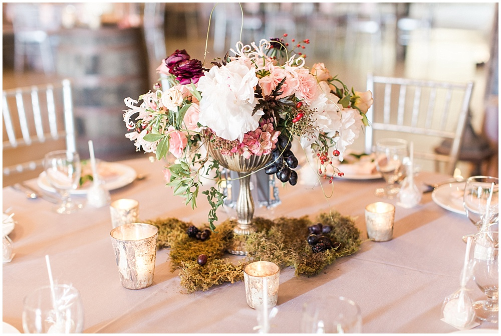 moss centerpiece, barn in zionsville wedding, ellie + tyler, ivan and louise images, jessica dum wedding coordination
