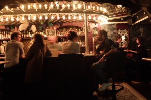 Dating in Paris 101: How (& Where) to Snag a First Date at the Bar