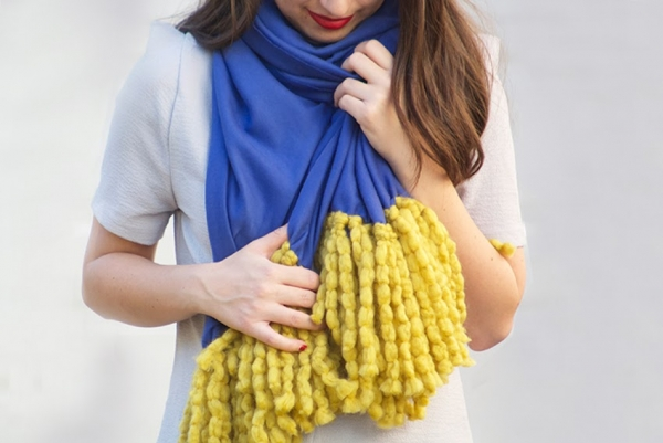 Make-Scarf-DIY-Blog-Winter-Craft-Projects-Best-Unique-Top-Fashion-Gift-Craft-Project-Idea