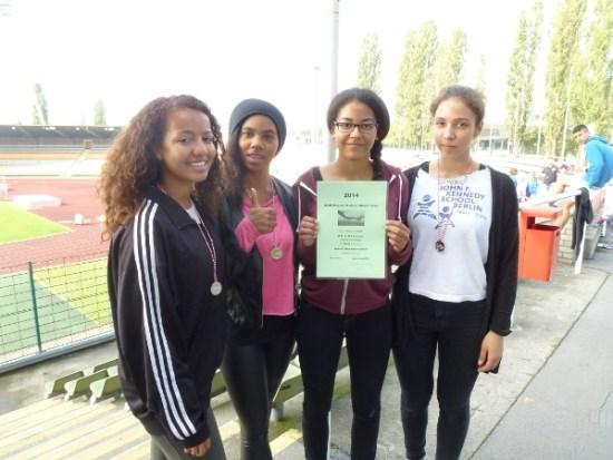 Eboni, Chelsea, Lelana, Kasey 2.Platz 4x100m WK I