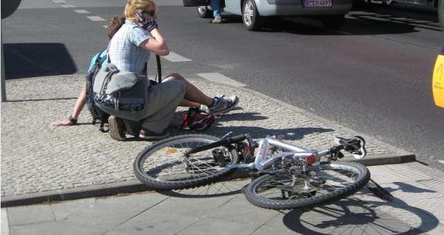どう選ぶ?対人事故に備えるための自転車保険の種類