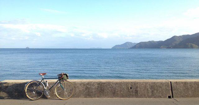 安全に自転車を楽しむために知っておきたい手信号(ハンドサイン)の出し方