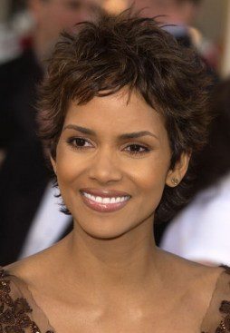 halle-berry-pixie-haircut-71-17