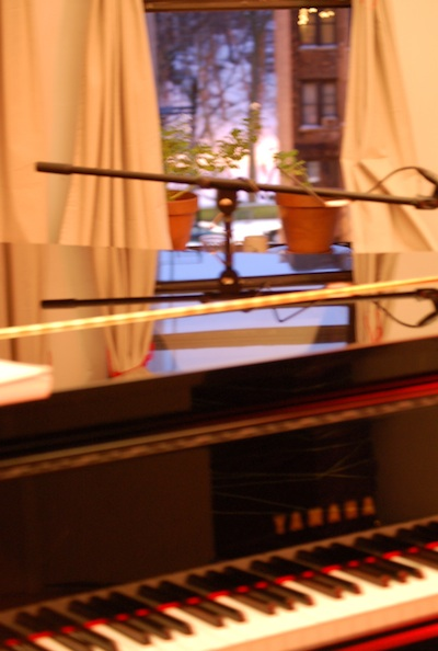 studio-piano-1b tyny