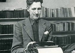 George-Orwell-at-typewriter
