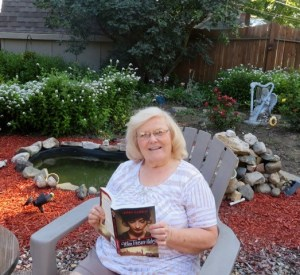 Kindred Heart Writer pal Jeanie Wise hangs out in her lovely back yard.