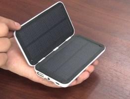 急な電池切れにはコレ一台! 太陽があればスマホ充電可能!・・・ソーラー充電器 #太陽光発電 #エコ #followme